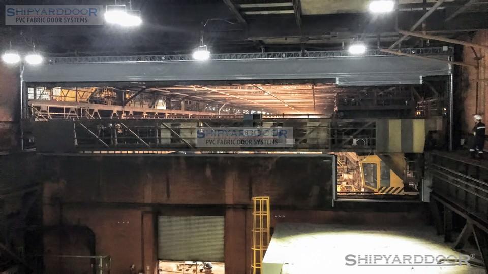 crane door shipyardoor en shipyarddoor