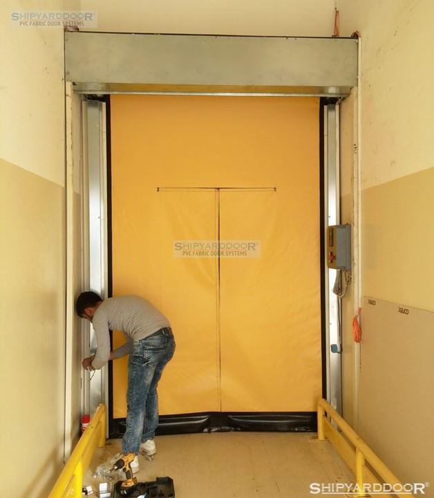 emergency roll up door en shipyarddoor