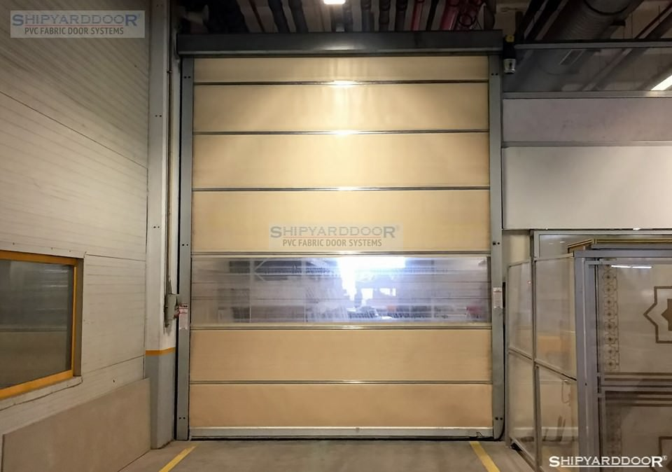 forklift dedective door 1 en shipyarddoor