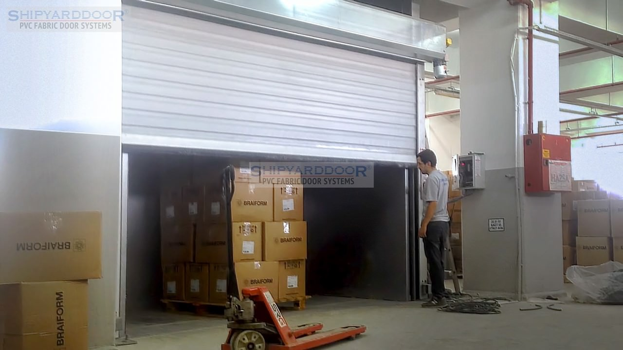 Freight elevator door en shipyarddoor f