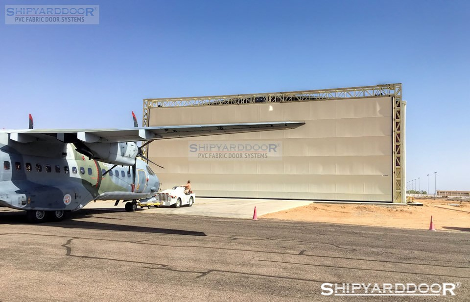 aircraft hangar door large en shipyarddoor