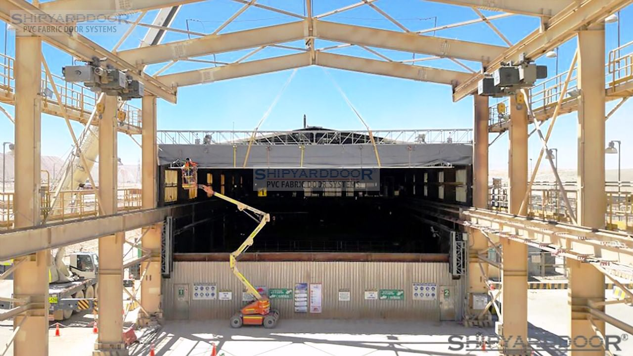crane hangar door en shipyarddoor