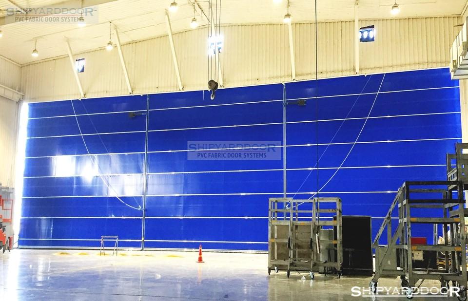 very wide hangar door en shipyarddoor