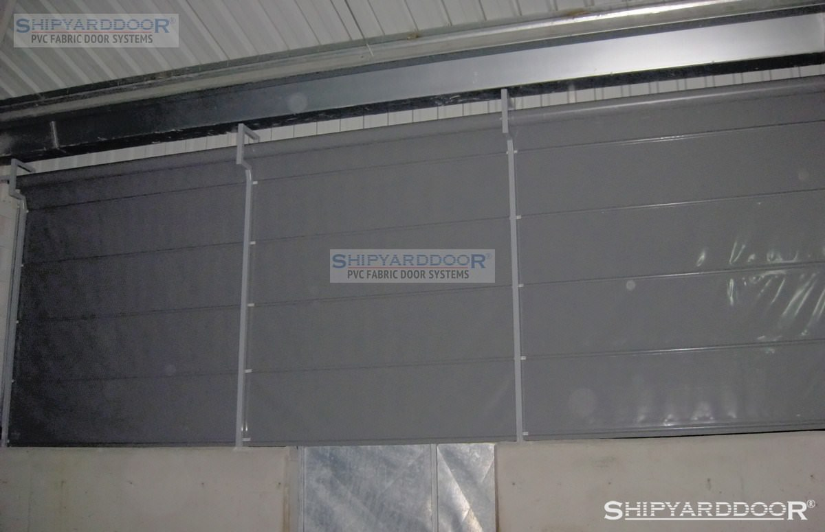 poultry house curtain 2 en shipyarddoor
