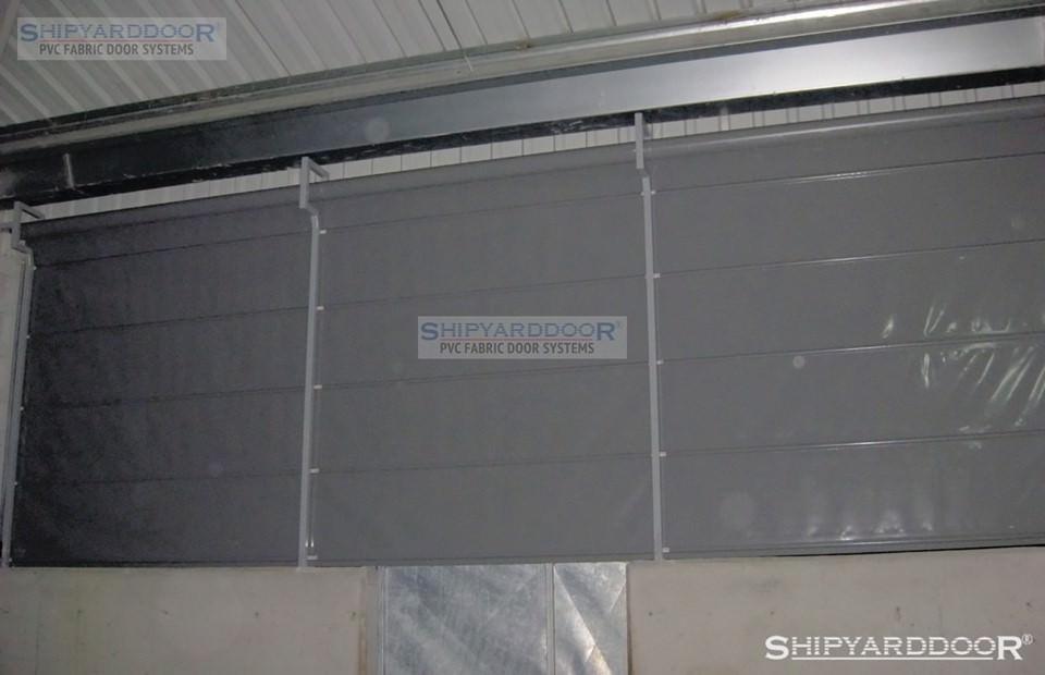 poultry house curtain 2 en shipyarddoor