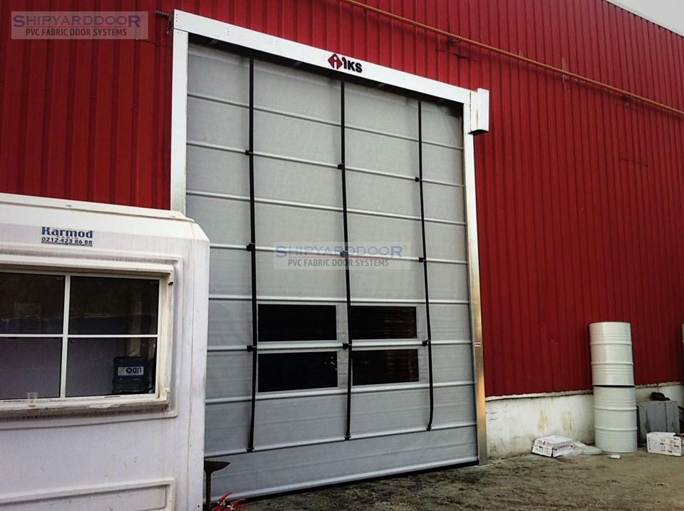 pvc fold up door 2 en shipyarddoor