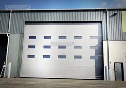 Aluminium hangar door